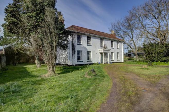 6 bedroom farm house for sale in Corton, Lowestoft, Suffolk, NR32