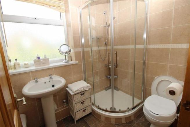 Ground Floor Shower Room/wc