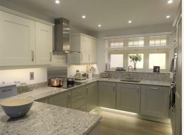 show home kitchen pi