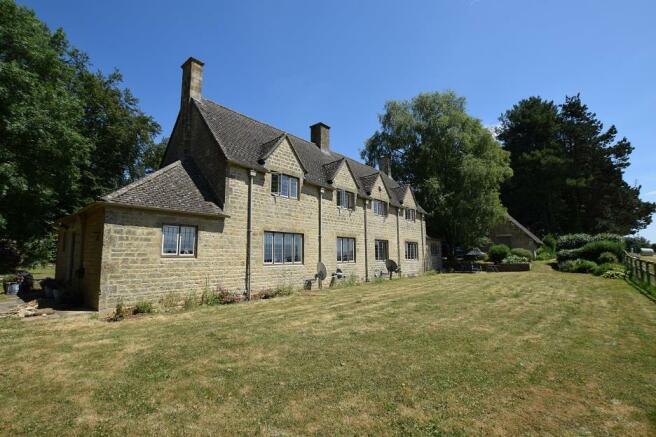1 Bourton Far Hill Cottage - Main.JPG