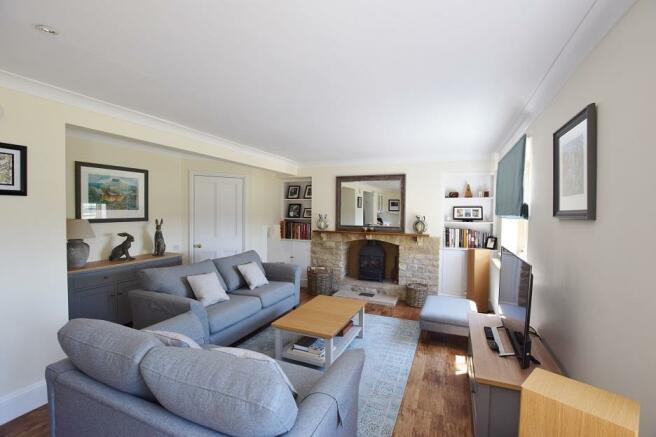 1 Bourton Far Hill Cottages - Sitting Room 1.jpg