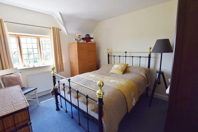 1 Bourton Far Hill Cottages - Bedroom 2jpg.jpg