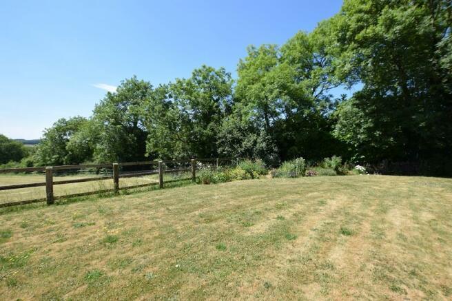 1 Bourton Far Hill Cottages - Rear Garden.JPG