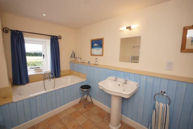 Shepherds Cottage - Bathroom.jpg