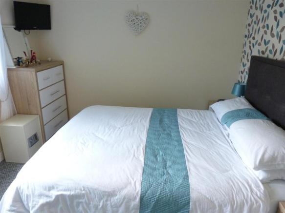 new bed a.JPG