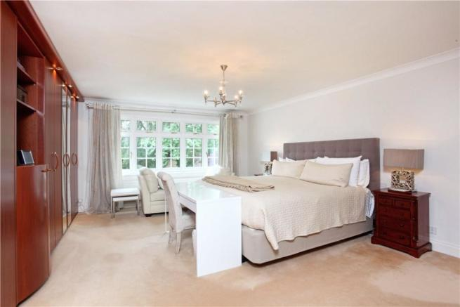 5 Bed Sunningdale