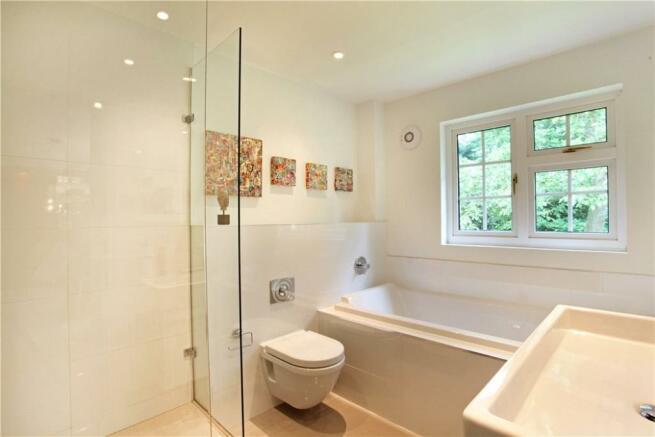 6 Bathrooms, Sl5
