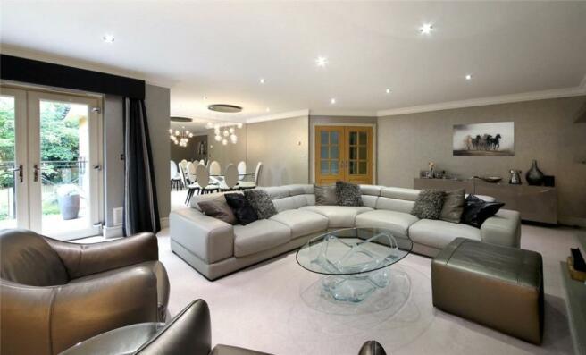 Ascot Apartment, SL5