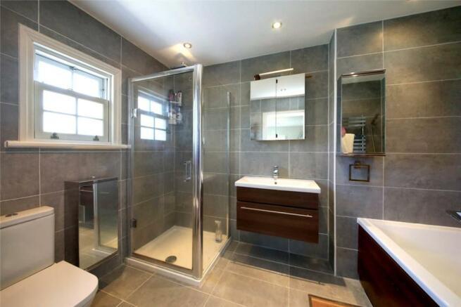 Bathroom: Sl5