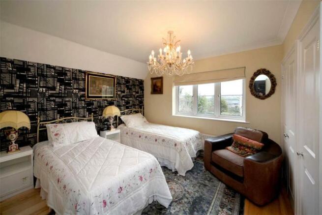 Bedroom Sl6