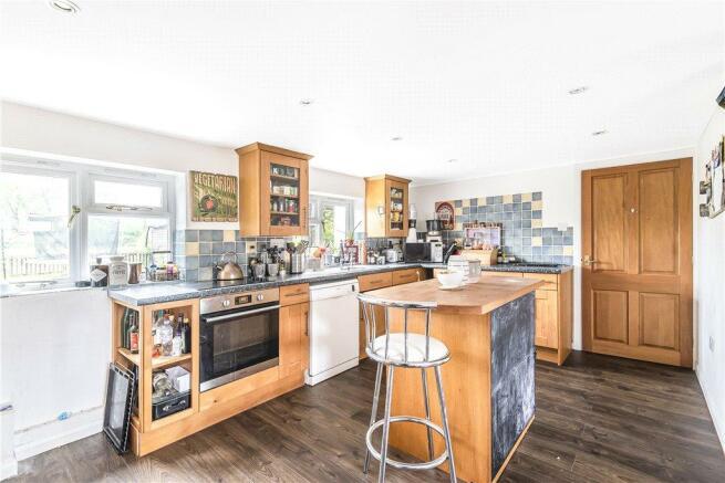 Nwe Barn Kitchen