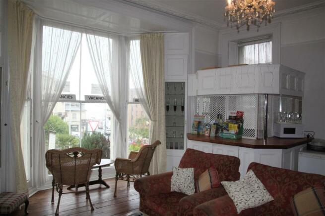 Resident's Lounge (2).JPG