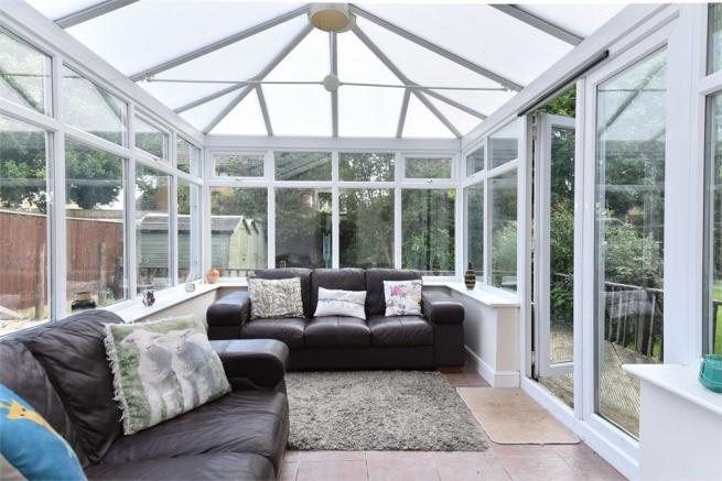 3 bedroom semi-detached house for sale in Park Avenue ...