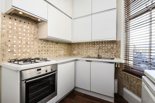 Kitchen (shot 2)