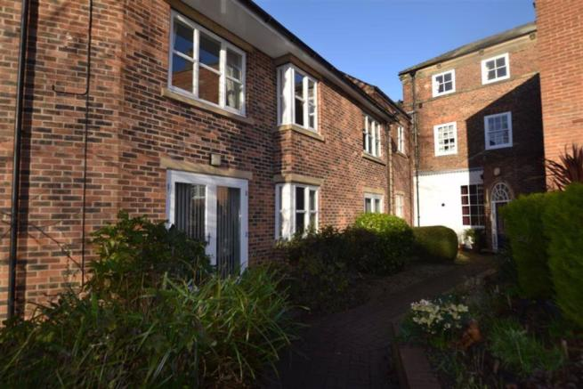 2 Bedroom Retirement Property For Sale In Avenue Court