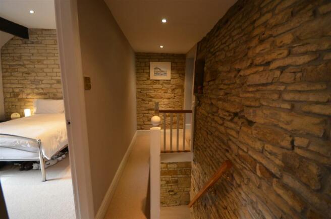 19 bow cottage 19-20 Warley Town Warley hX2 7RZ.JP