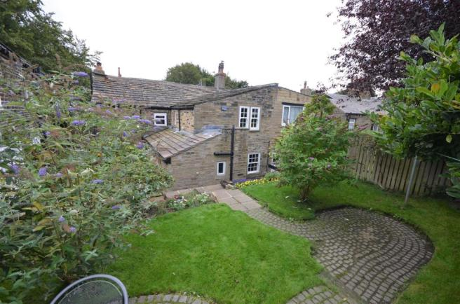 30 bow cottage 19-20 Warley Town Warley hX2 7RZ.JP