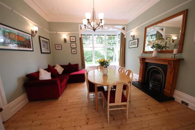 09 charnock bates estate agents, dalehurst, 50 smi