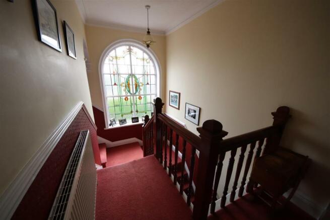 22 charnock bates estate agents, dalehurst, 50 smi