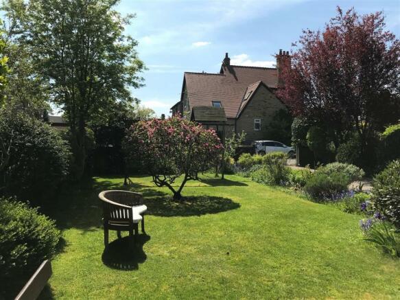 23 charnock bates estate agents, dalehurst, 50 smi