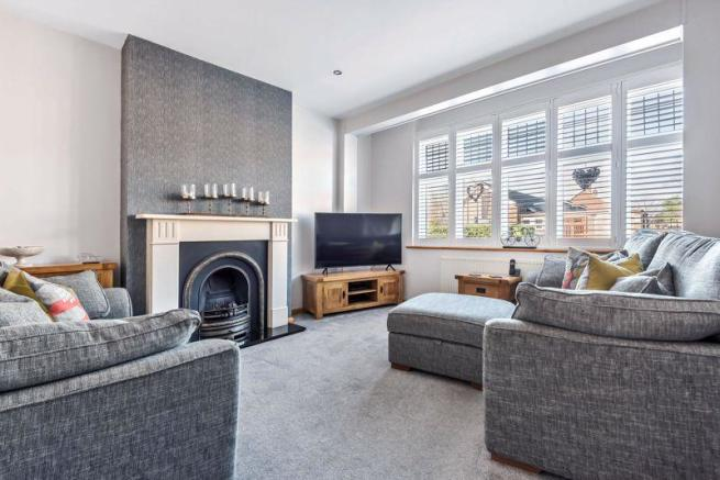 5 Bedroom Semi Detached House For Sale In Southspring Sidcup Da15