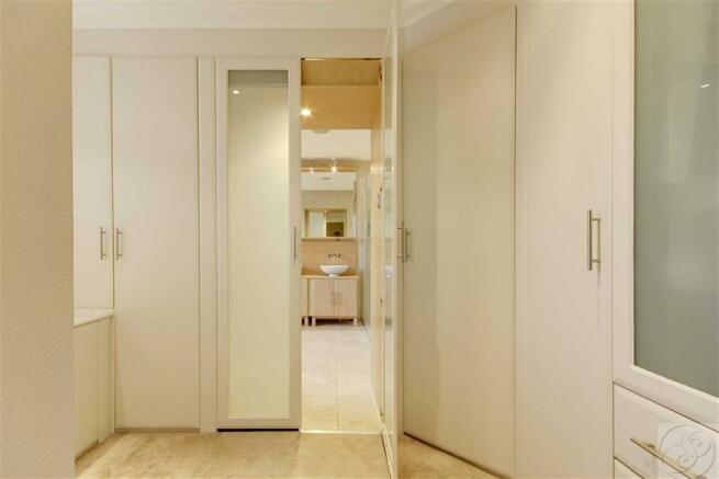 En-Suite Dressing Room