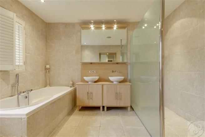 En-Suite Bathroom / Wet Room