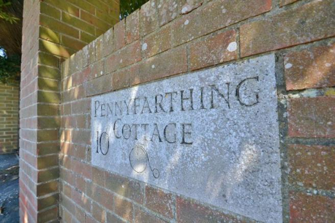 Pennyfarthing Cottag