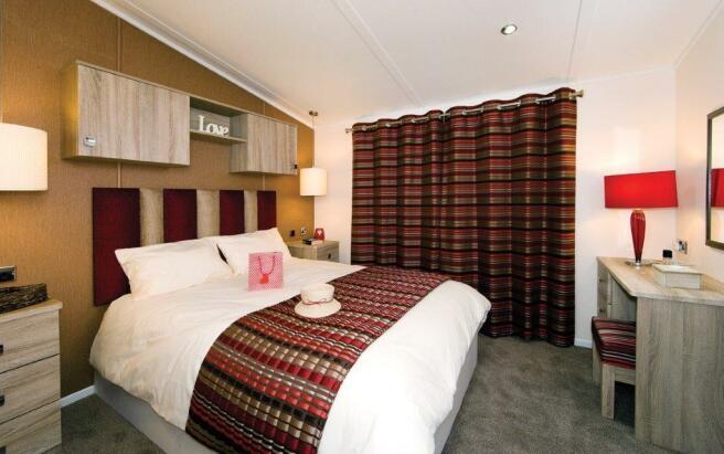 Versaille bedroom 1.jpg