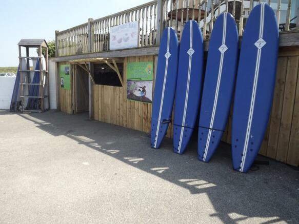 SURF SCHOOL UNIT