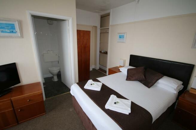 BEDROOM 14 - DOUBLE SHOWER AND WC EN-SUITE