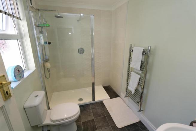 Shower Room .jpg