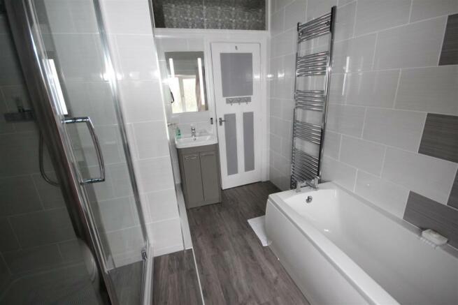 bath rm 2 new.JPG