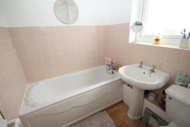 bath rm.JPG