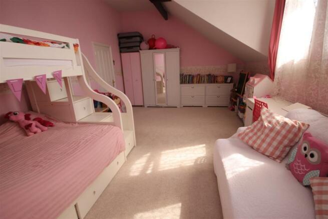 bed 3 (2).JPG