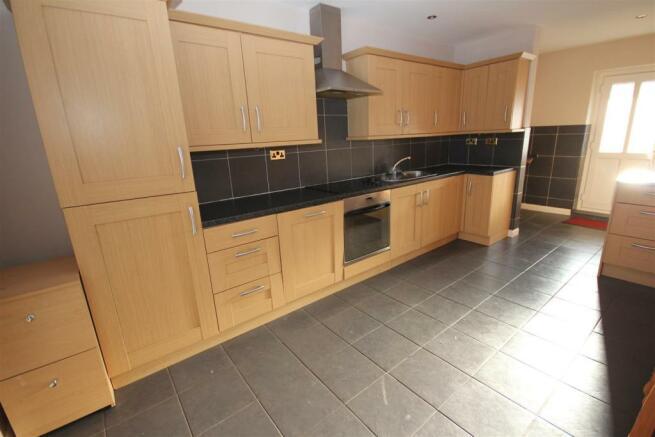 kitchen (copy).JPG