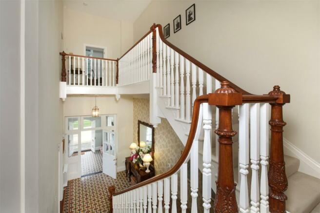 Entrance/Staircase