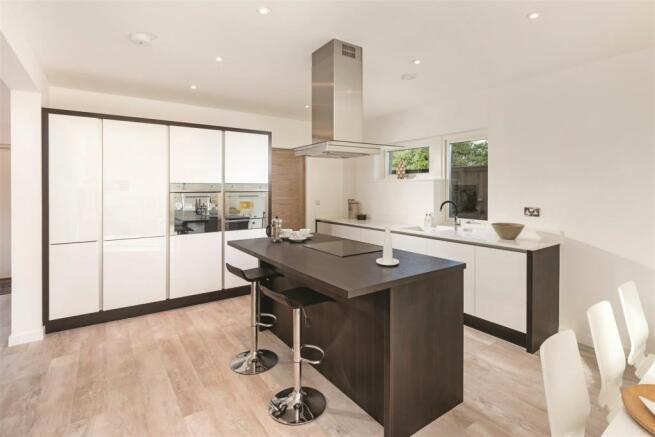 Kitchen3 ClarenceSandringham.jpg