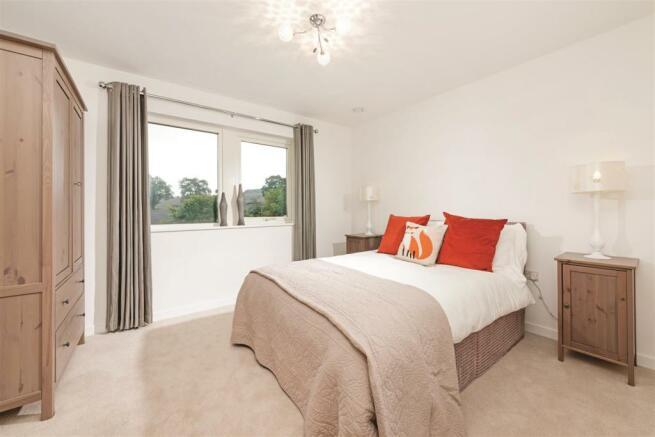 Bed2 ClarenceSandringham.jpg