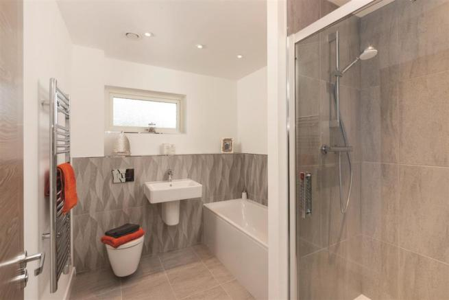 Bathroom ClarenceSandringham.jpg