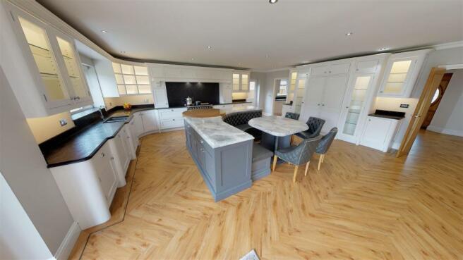 6-Briar-Close-Kitchen(1).jpg