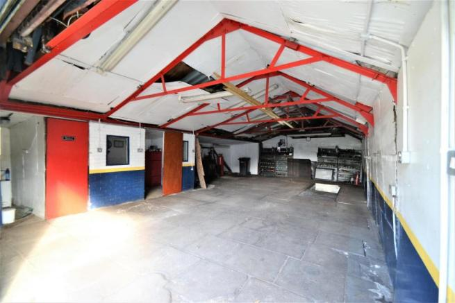garage at rutherford tce  (2).JPG