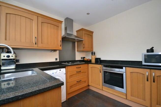 Kitchen (angle 2)