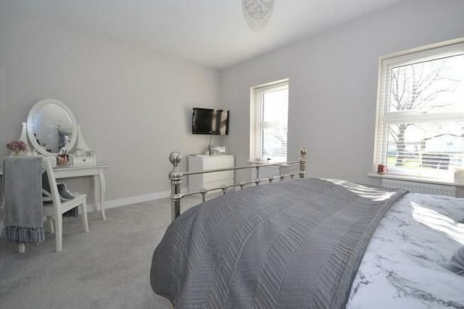 Main bedroom (angle