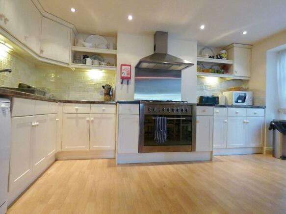 Photo Kitchen Area