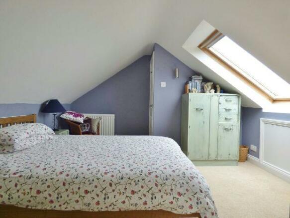 Bedroom 2i