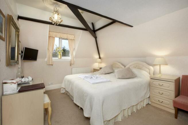 Dbl Bedroom (6)