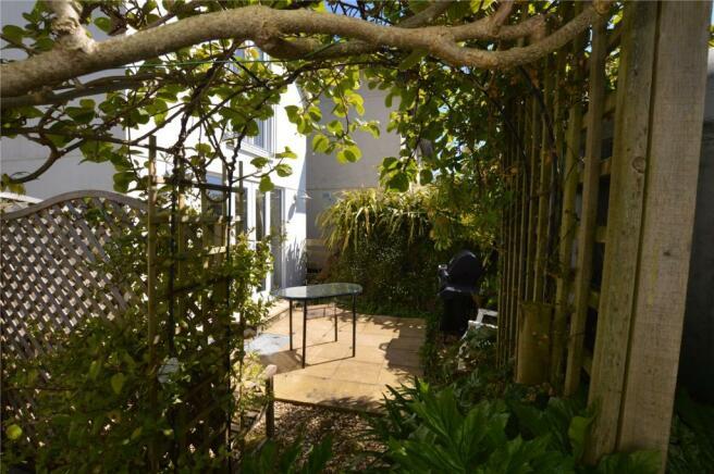 Annexe Courtyard