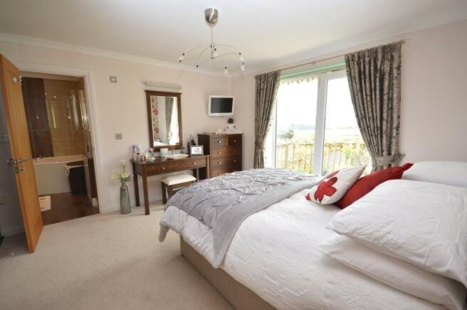 Maset Bedroom