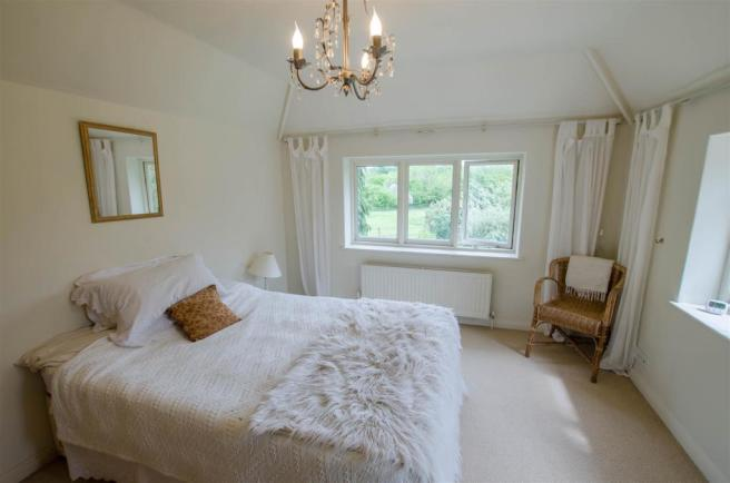 En Suite Bedroom.jpg